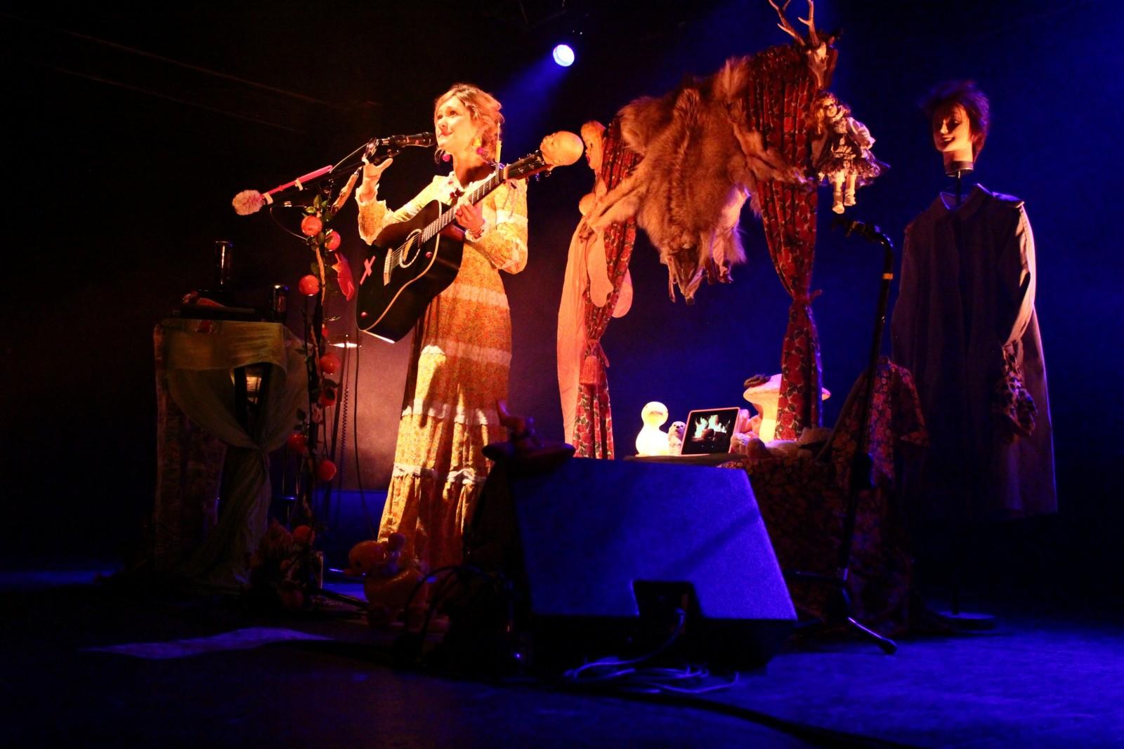 GiedRé lors de son concert à l'Espace Julien le 21 Novembre 2012. ©AL