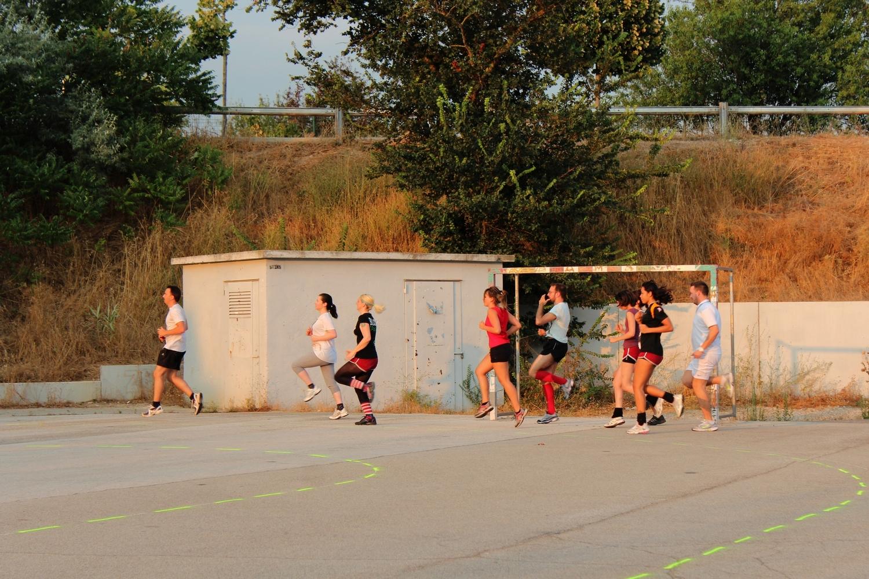 Entraînement de l'équipe des Amazones, près du Complexe Sportif du Val de l'Arc à Aix-en-Provence.  ©AL