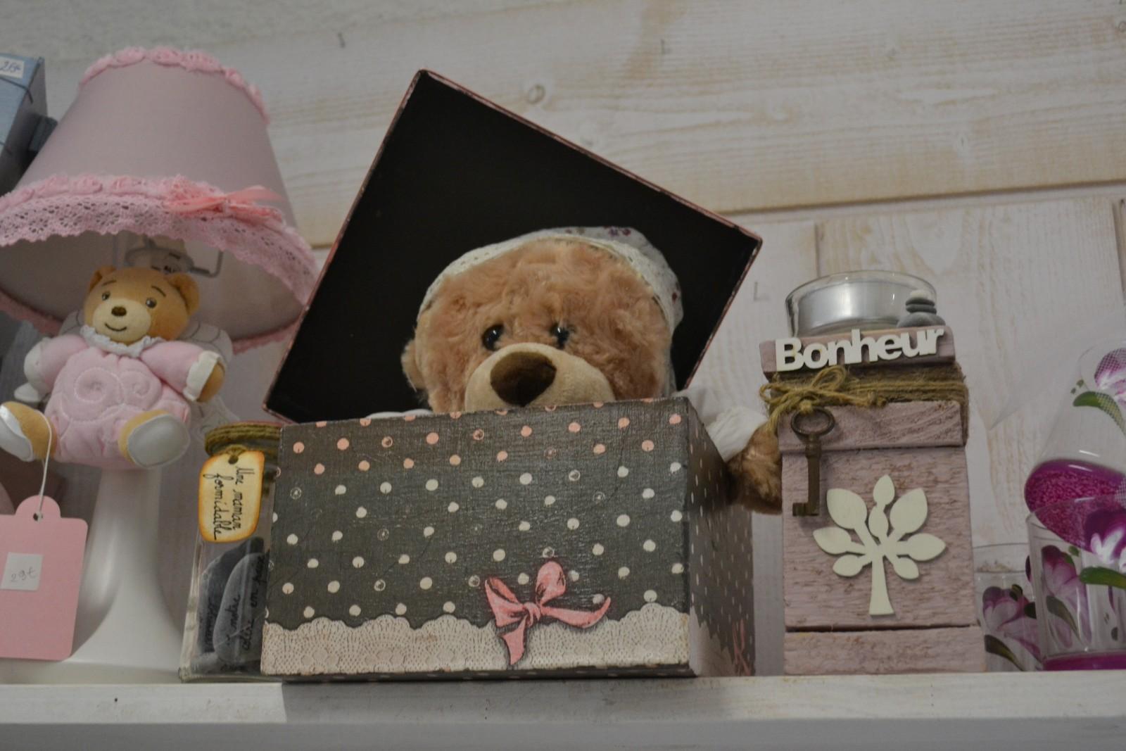 Cet ours en peluche attend une famille. ©MD