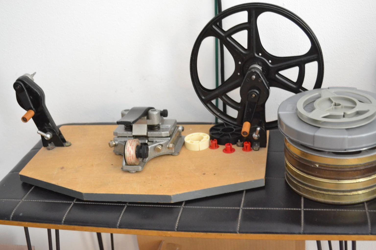 Outils utilisés pour éditer les pellicules. ©MD