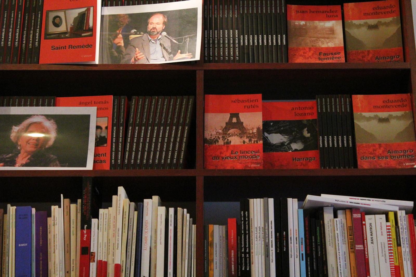 La librairie possède un fond spécialisé dans le roman noir avec des livres français et étrangers. ©DF