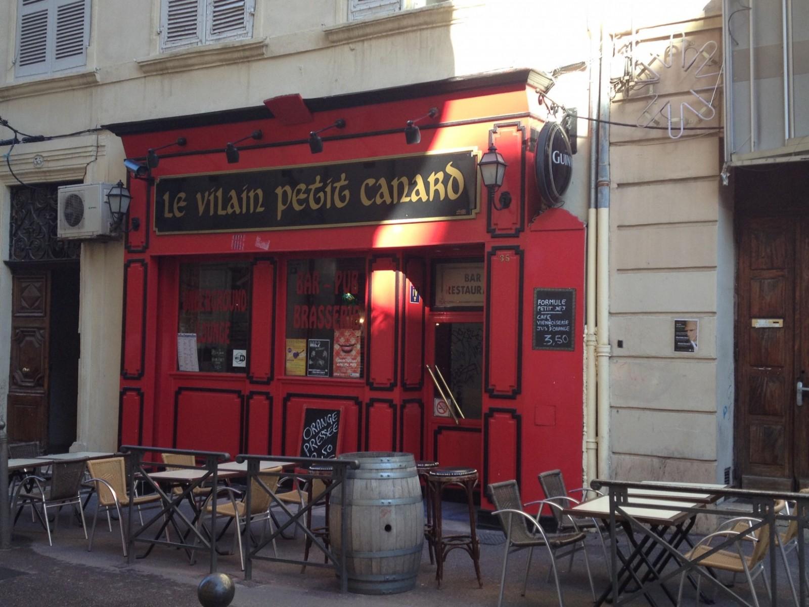 Le Vilain Petit Canard accueille des concerts, des scènes ouvertes et organise des karaokés. ©MD