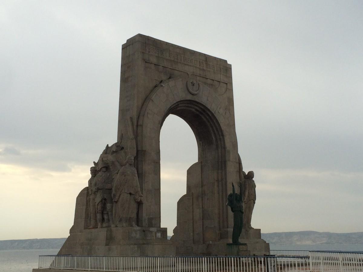 Monument aux morts de l'Armée d'Orient et des terres lointaines sur la Corniche Kennedy à Marseille. ©MD