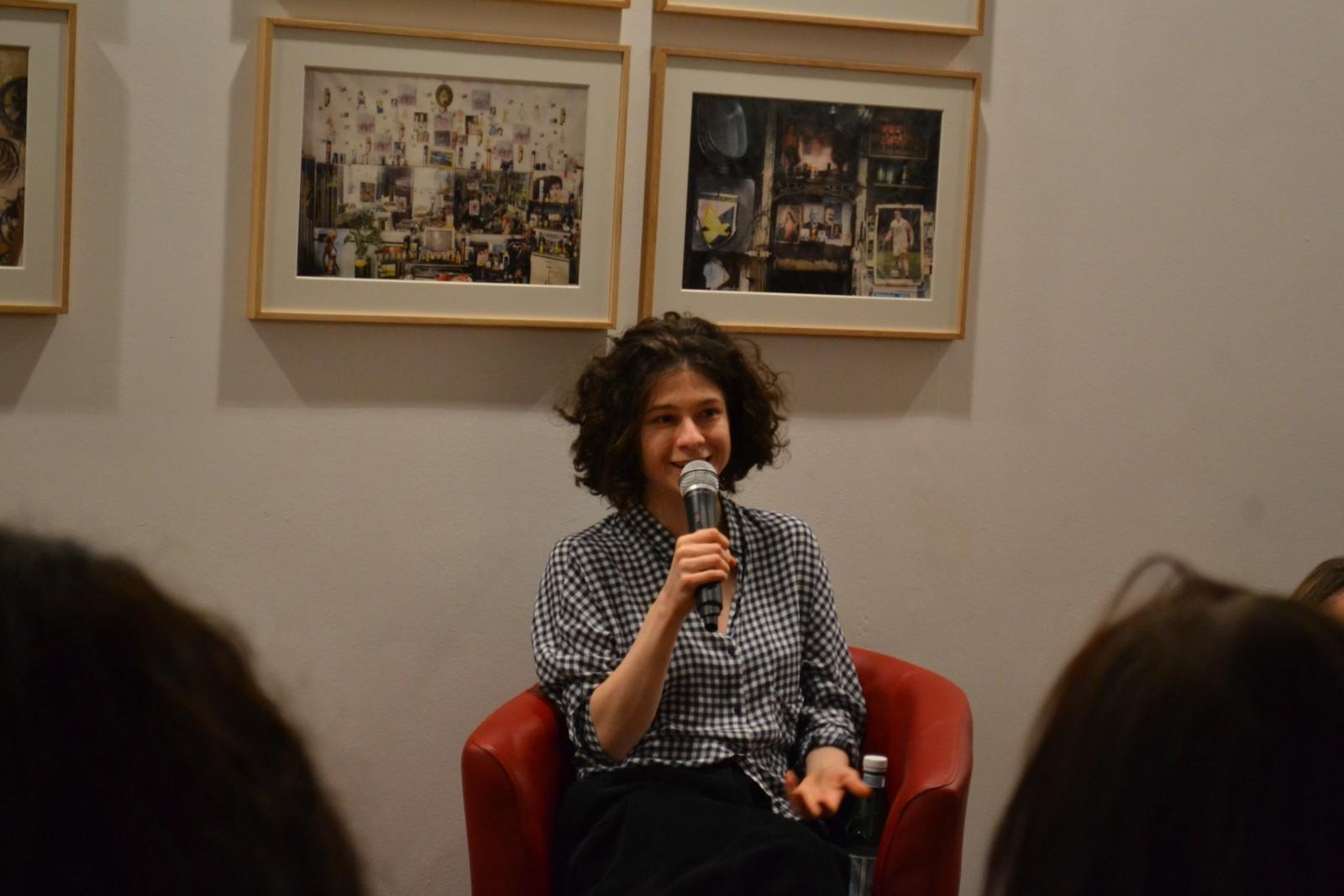 Solange face à ses lecteurs à la Librairie Maupetit. ©MD