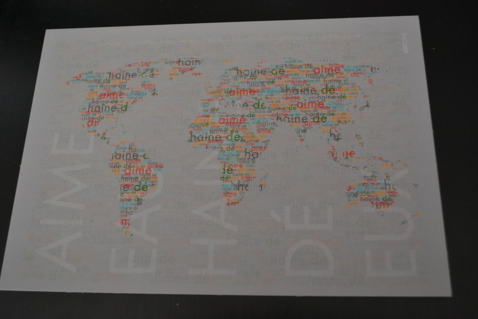 Une mappemonde construite avec des mots. ©MD