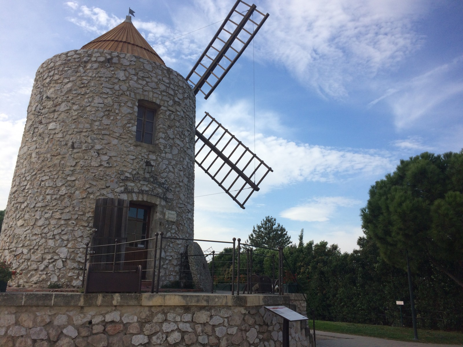 Un des moulins d'Allauch. ©MD