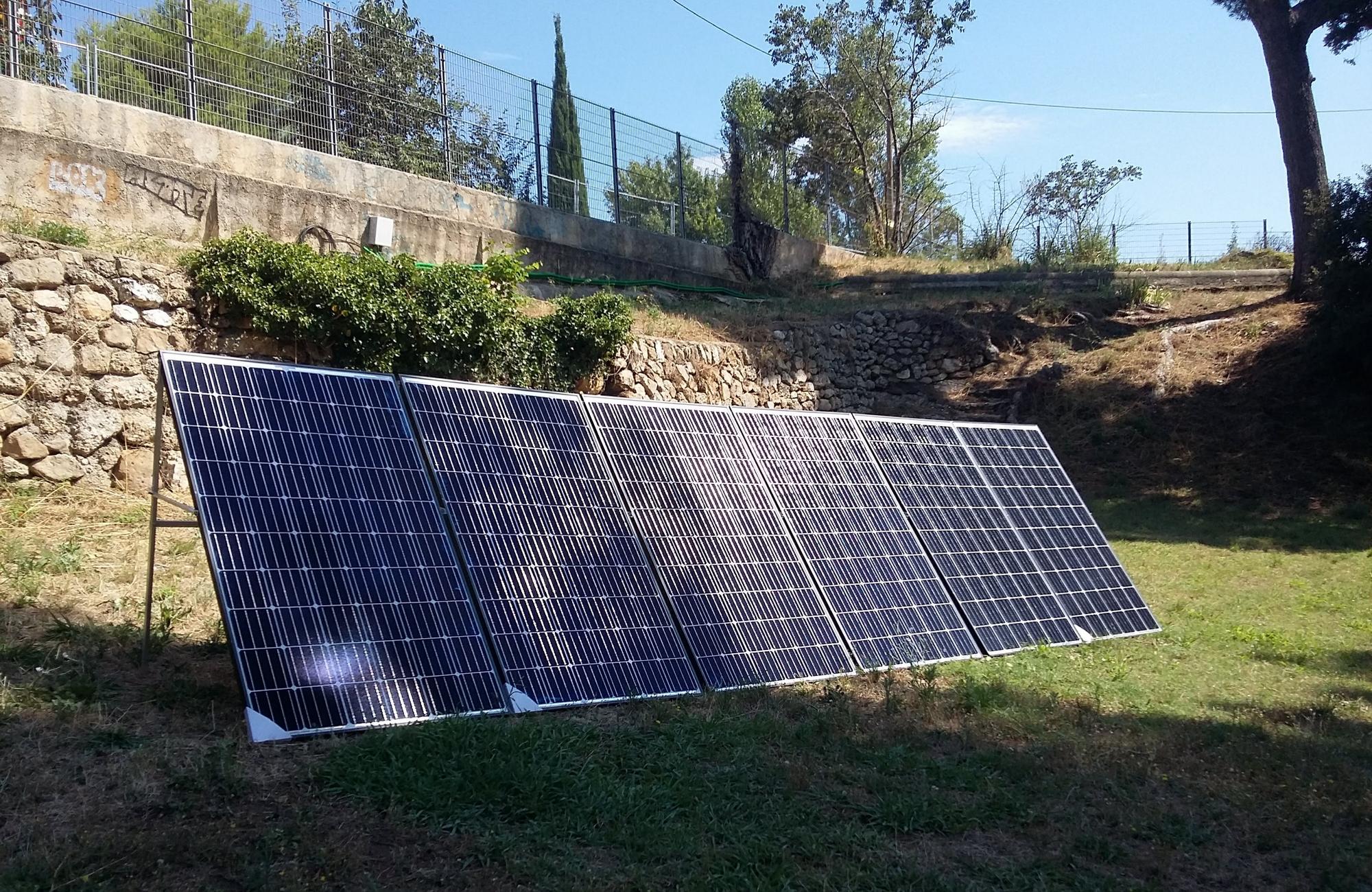 Le module solaire, créer par l'entreprise Solarius servira, à alimenter la sono du festival. ©Alice Meiller