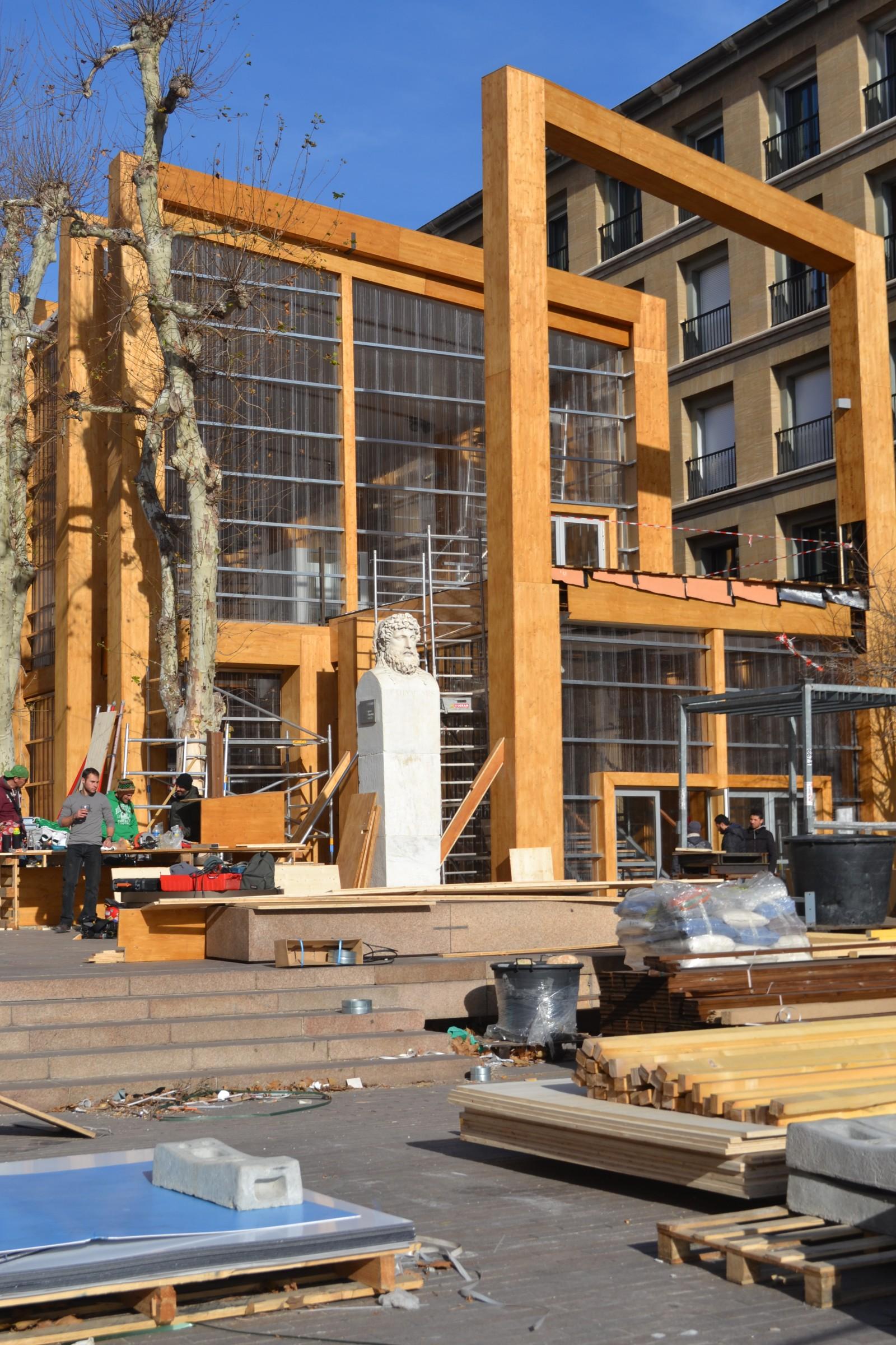 Vue du Pavillon M par le quai du Port. Le 28 décembre 2012  ©MD
