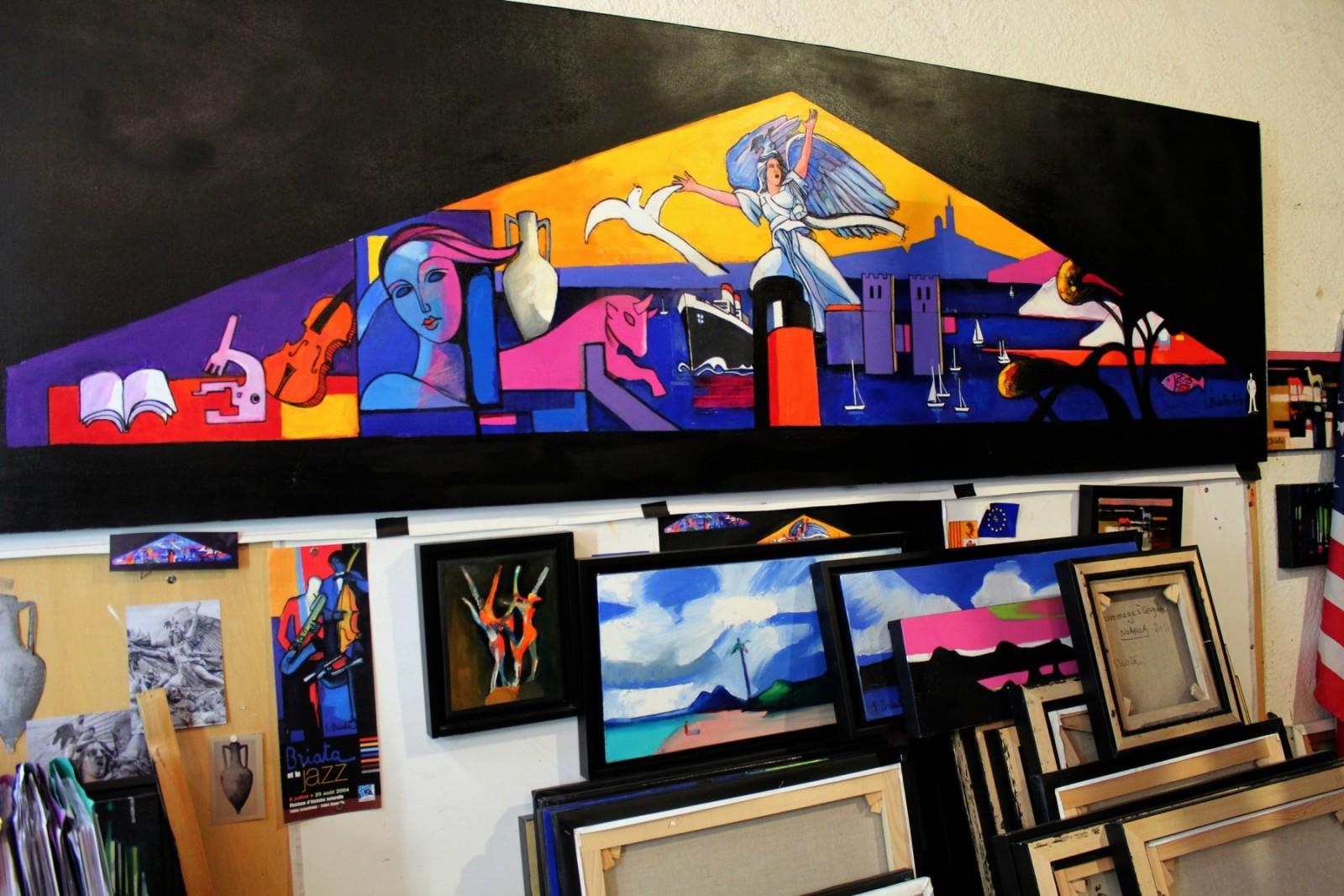 Une toile représentant le projet du vitrail. Au centre, La Marseillaise symbolise le brassage des communautés et des religions en accord avec Marseille Espérance. © AL