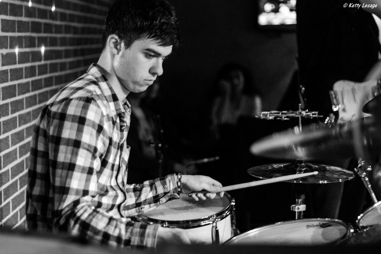 Simon, batteur de Morrison Road  ©Ketty Lesage
