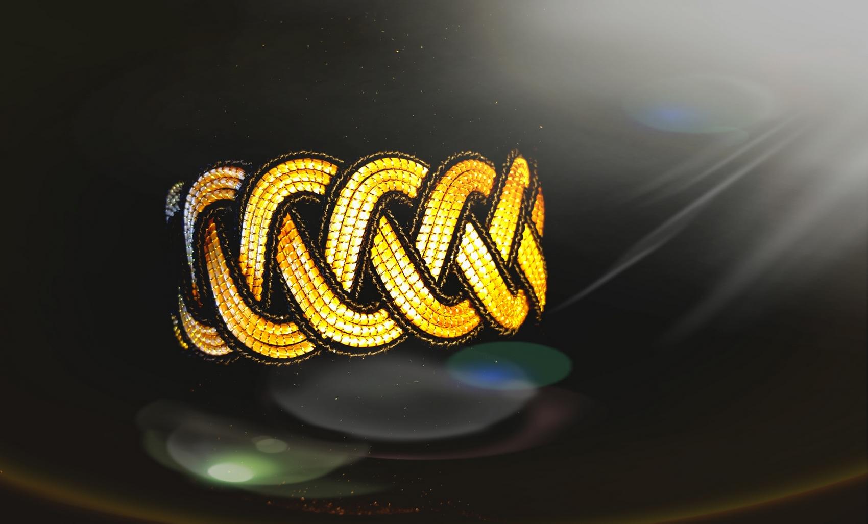 Bracelet Zyglia noir. ©DR