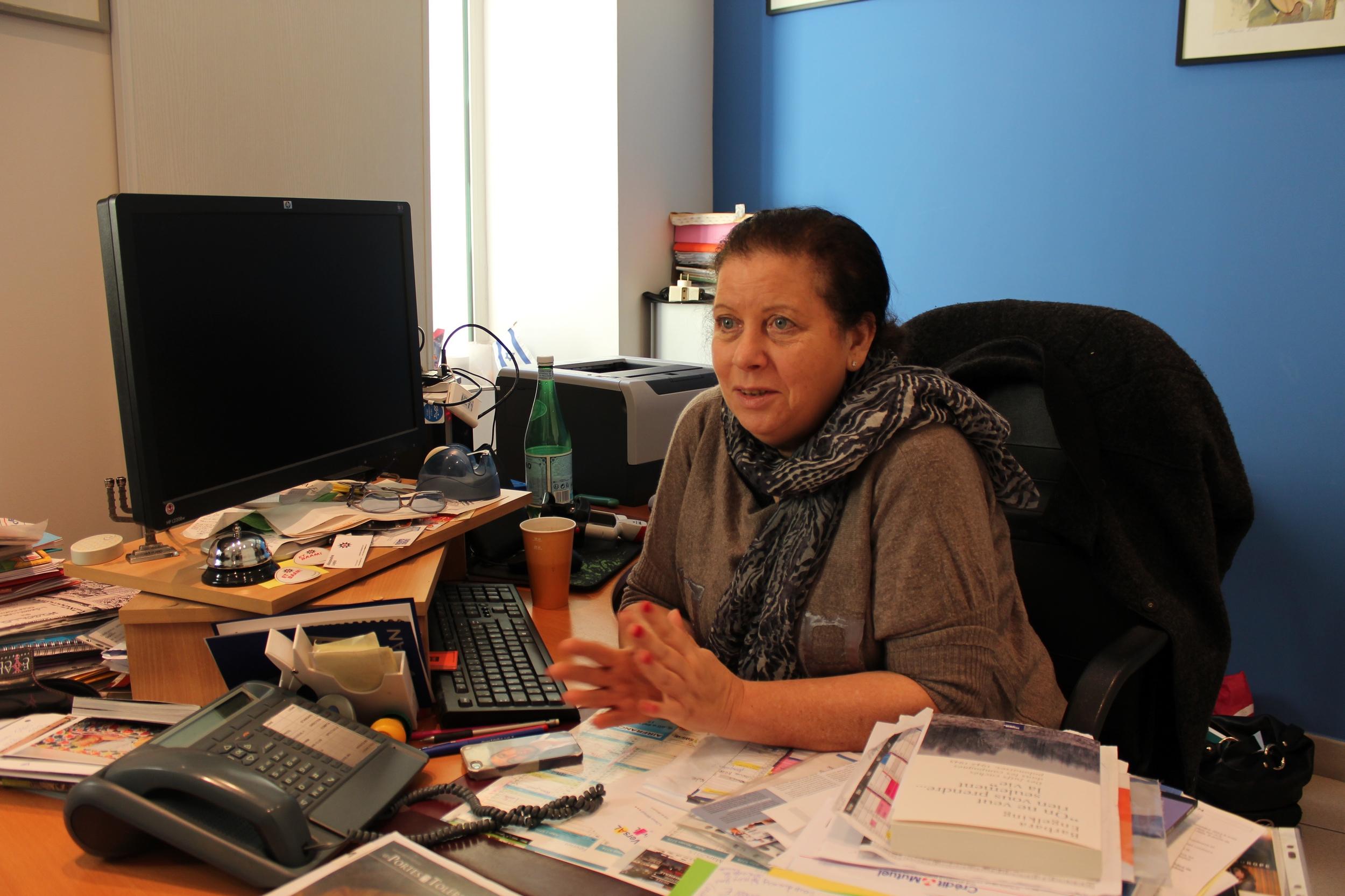 Martine Yana dans son bureau au Centre Edmond Fleg. ©AL