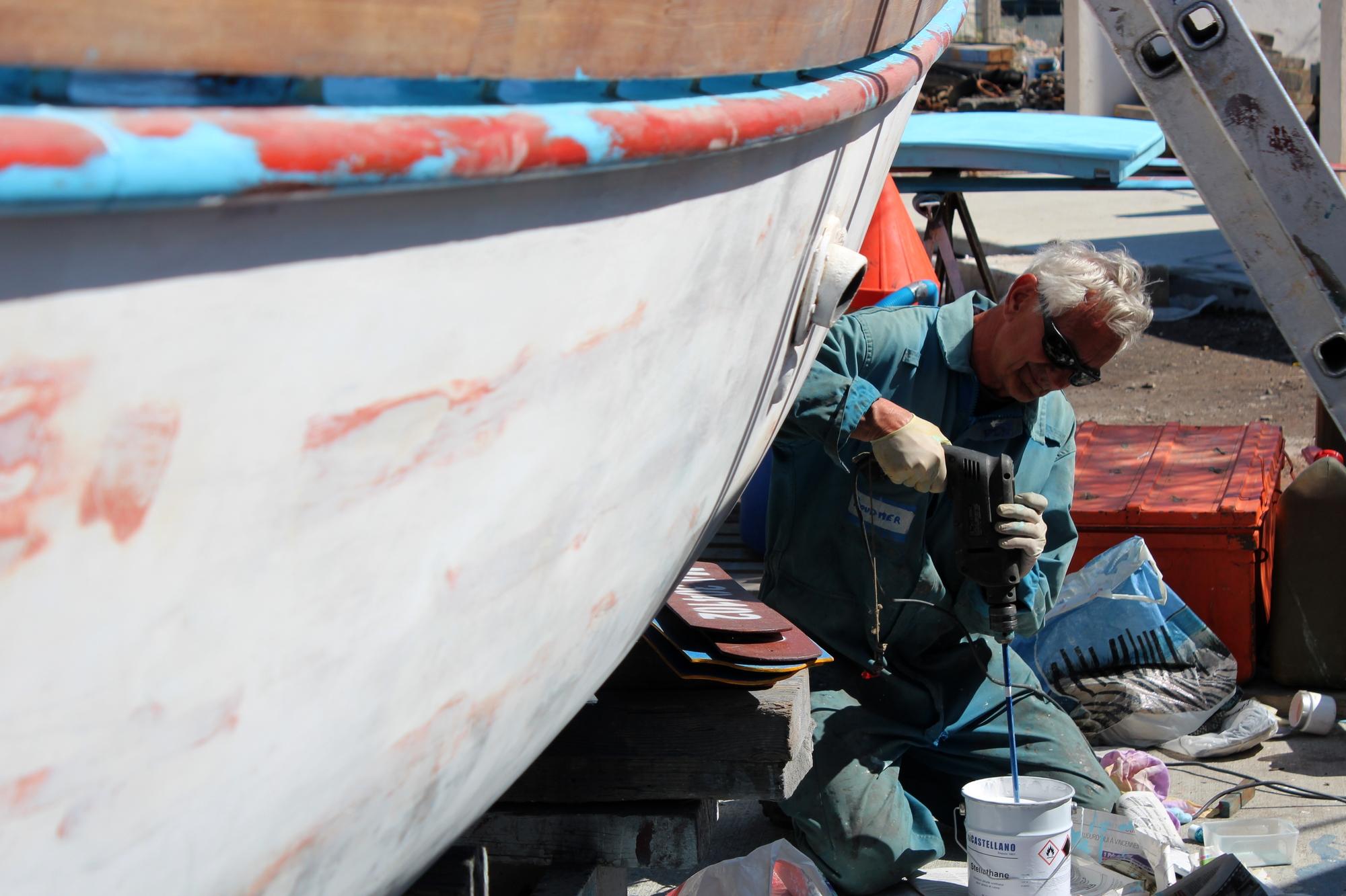 Pierre, un adhérent de l'association aide pour la restauration de l'Espadon. ©AL