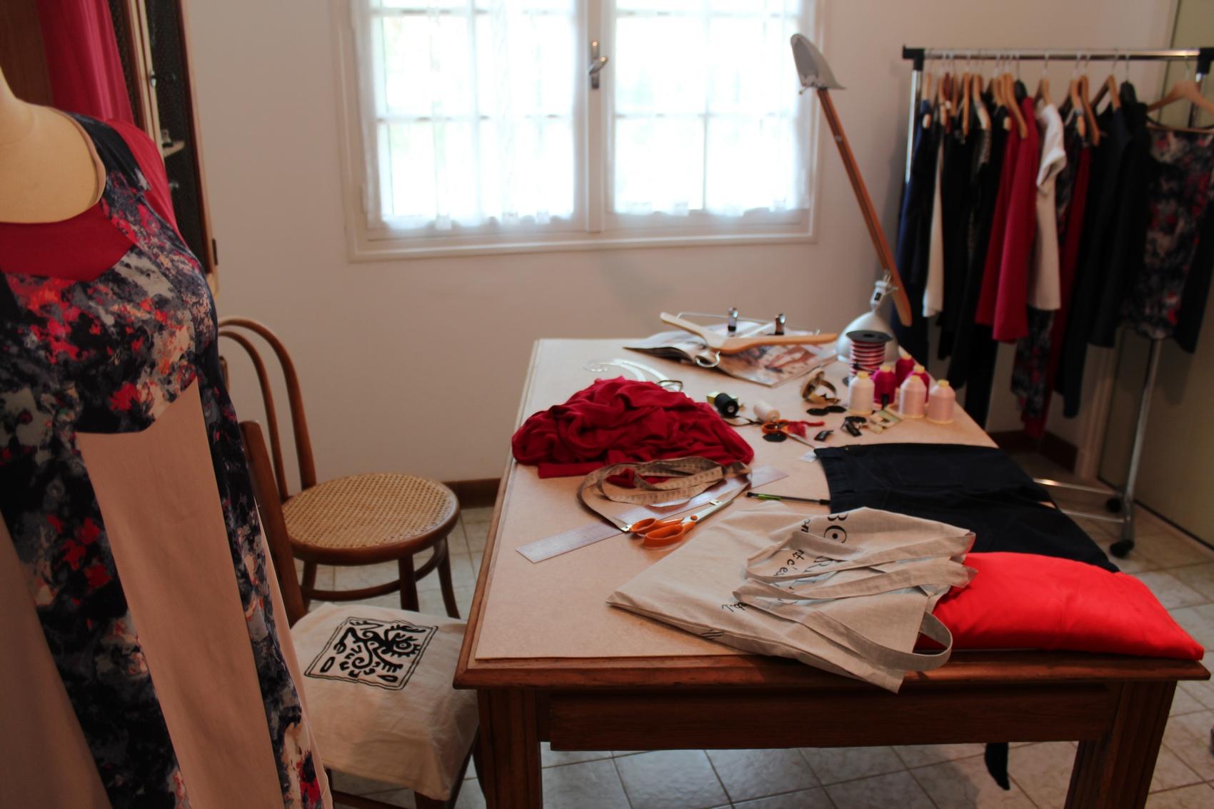 Jupes, robes, pantalons, vestes et hauts, la collection propose 27 modèles. ©AL