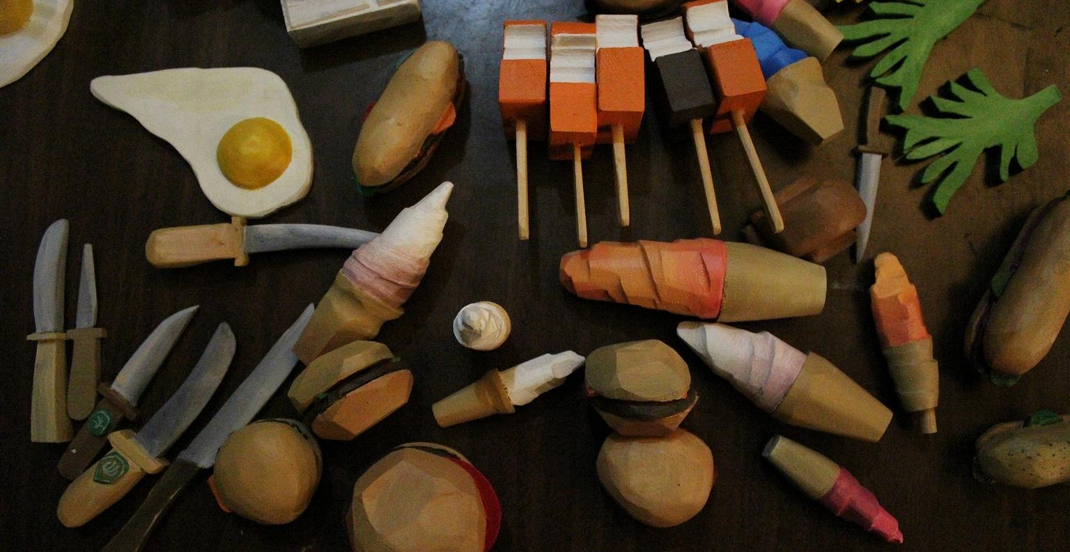 David et Vincent Lafrance fabriquent et peignent à la main des jouets uniques. ©AL