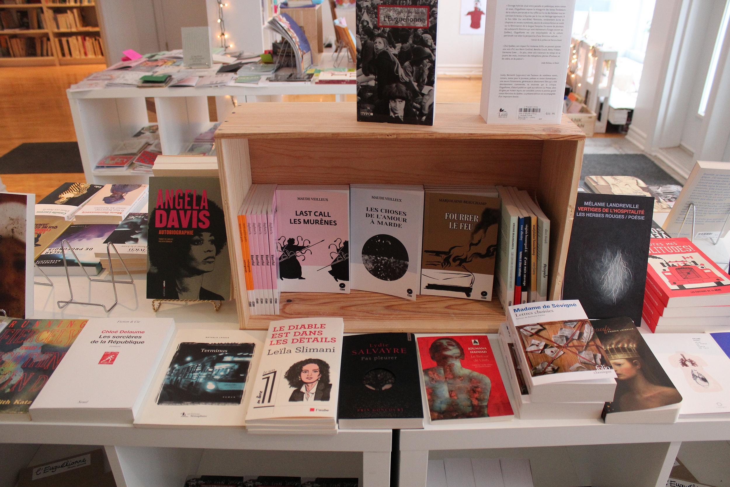 L'Euguélionne se spécialise dans la littérature des femmes en proposant divers ouvrages. ©AL