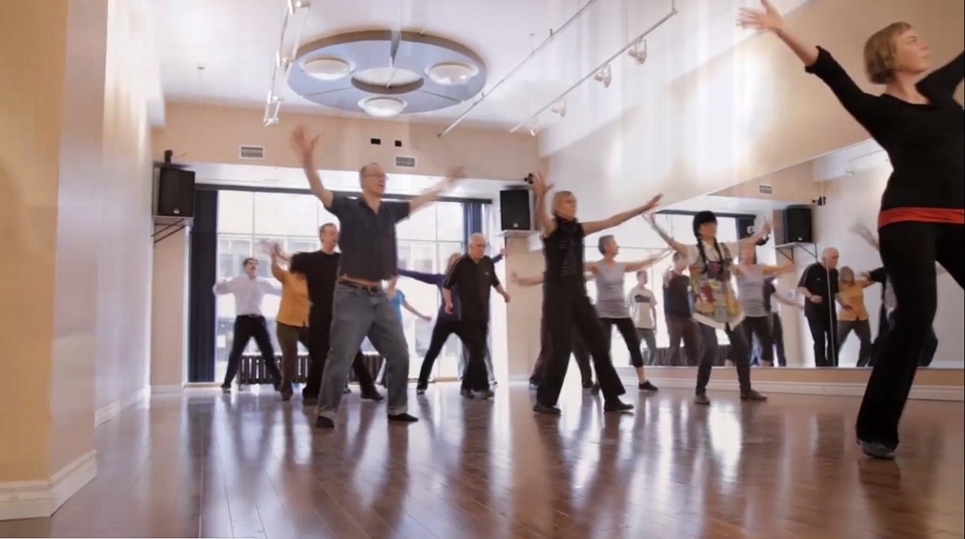 Une quarantaine de personnes, âgées de 50 à 83 ans, participent aux cours. ©PEM