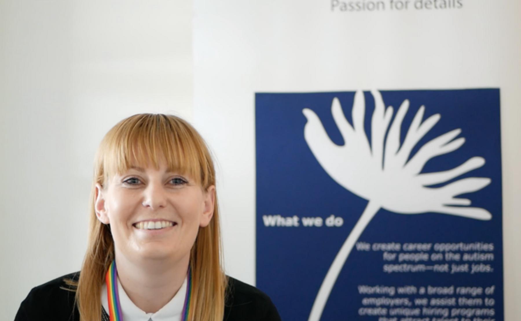 Rebecca Flower, membre de Specialisterne Australia, l'une des premières entreprises au monde à mettre en lumière les bénéfices de la neurodiversité dans le monde du travail en offrant des outils d'inclusion. ©DR