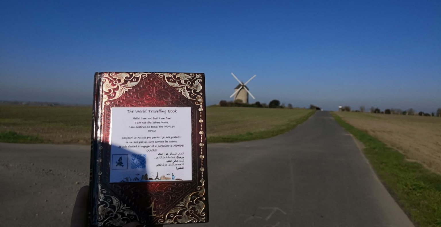 Le livre 1 a été déposé au Mont-Saint-Michel  le 18 novembre 2018. ©DR