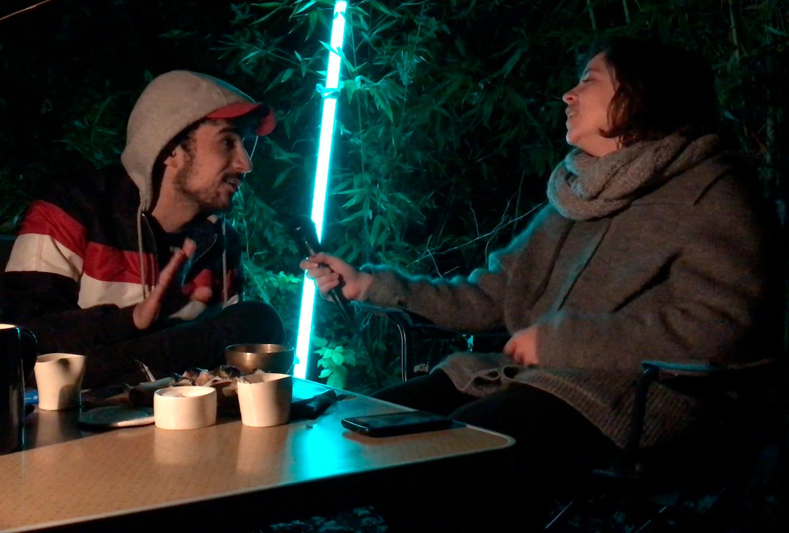 Mathias Menu et Shani Lemyre se mettent en scène pour les vidéos Salon. ©Bêtes à cornes