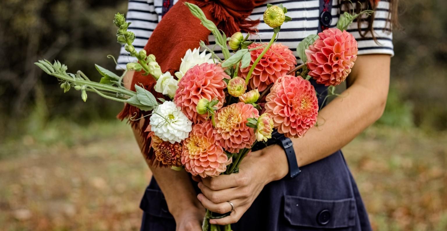 La ferme fait pousser une soixantaine de variétés de fleurs locales. ©Les Productions Novatik